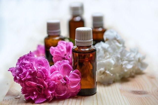essential-oils-1433694_640